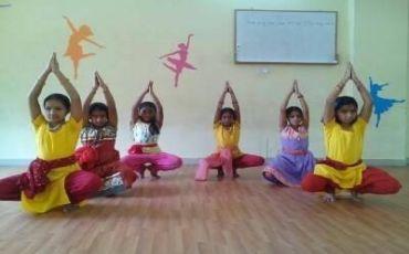 Deva Devi KalaniKetan Dance Class-2962_np3hlk.jpg