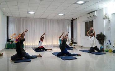 Neolife Yoga Studio-8239_corybu.jpg
