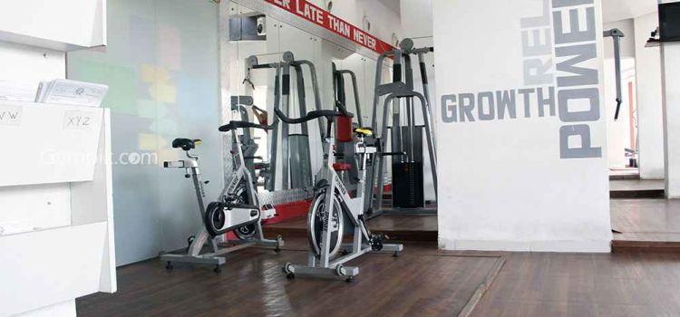 Powerhouse Gym-Juhu-3415_lizztw.jpg