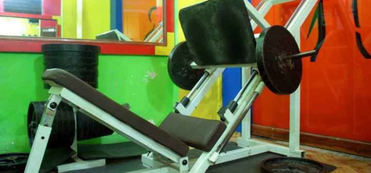 Vinays Muscles & Curves Gym-Bhandup East-4713_isxf1m.jpg