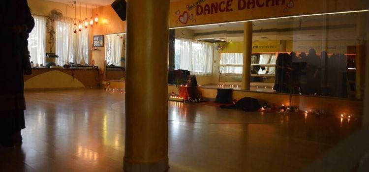 Jas k Shan's Dance Dacha-Sector 44-5965_derbsb.jpg