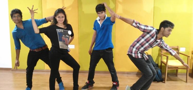 D Dancing Street-Gurukul-6480_avxcyt.jpg