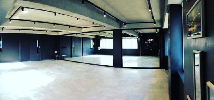 Vibe Dancing Studio-Ambawadi-6720_bdkcpu.jpg