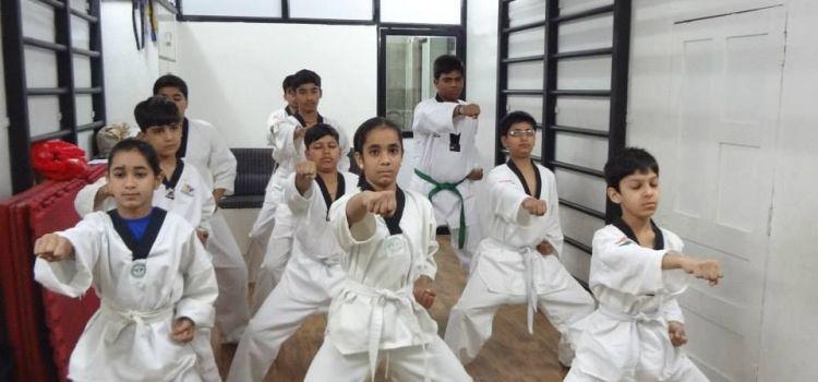 The World Gym-Sudama Nagar-7357_p9kz4c.jpg