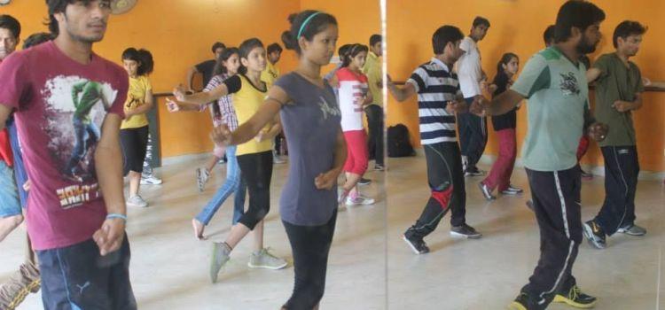 Buskers The Dance Institute-Ambabari-7620_l68ezz.jpg