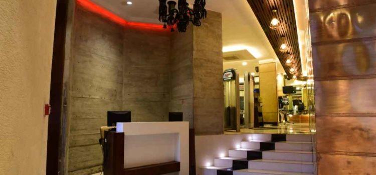 Elevate Fit Club-New Delhi-7658_y8v45l.jpg