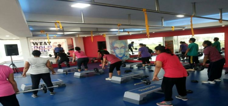 Group EX Fitness Revolution_8144_nuoxxh.jpg